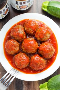 Baked Turkey Zucchini Meatballs Juicy and flavorful turkey meatballs swimming in a sea of homemade marinara sauce. Baked and ready in about 30 minutes. Turkey Zucchini Meatballs, Baked Turkey, Clean Eating Recipes, Healthy Eating, Cooking Recipes, Healthy Recipes, Healthy Options, Healthy Food, Yummy Food