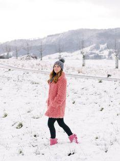 Pink teddy coat Faux Fur Jacket, Fur Coat, Pink Teddy Coat, Winter Wardrobe, My Style, Jackets, Outfits, Color, Fur Coats