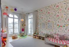 Eclectic Kids' Room with Bohemian Details - Petit & Small Baby Boy Rooms, Little Girl Rooms, Baby Room, Child Room, Nursery Room, Kids Rooms, Casa Kids, Decoracion Vintage Chic, Kids Bedroom Designs