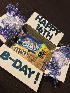 care package ideas for friend Birthday Gifts For Boyfriend Diy, Birthday Presents For Friends, Cute Boyfriend Gifts, Cute Birthday Gift, Birthday Gift Baskets, Friend Birthday Gifts, Birthday Diy, Diy Best Friend Gifts, Diy Gifts For Him