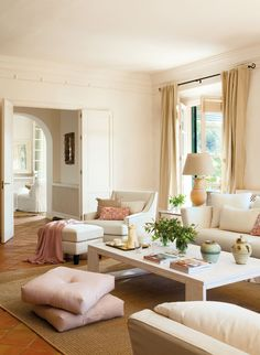The Top 13 Home Decor Trends You Must Know for 2017 via Brit + Co (*terracotta. Also note the pottery! Home Living Room, Living Room Decor, Living Spaces, Terracota Floor, Decor Interior Design, Interior Decorating, Decorating Ideas, Modern Interior, White Home Decor