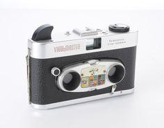 View Master stereo kleur Mark II uit 1961  Stereo camera met Rodenstock lenzen gemaakt voor de Europese markt door Regula. Formaat 12 x 13 cm. Het biedt met 69 paren van posities.  EUR 1.00  Meer informatie