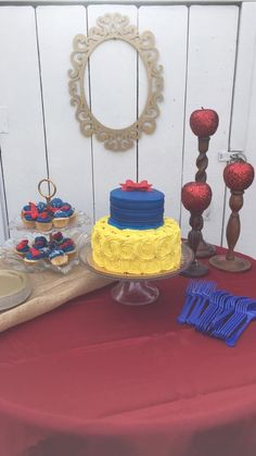 Snow White birthday party. Rustic