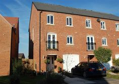 Nightingale Way, Caterall, Nr Garstang, Preston, PR3 - MODERN THREE/FOUR BEDROOM TOWN HOUSE Good Family Accommodation Arranged Over Three Floors Cloakroom, Two Shower Rooms & Family Bathroom Double-Glazing & Gas Central Heating Integral Garage - Gardens Front & Rear EPC Rating C