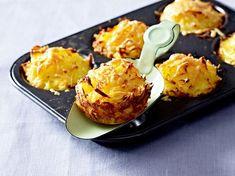 Unser beliebtes Rezept für Kartoffelrösti-Muffins und mehr als 65.000 weitere kostenlose Rezepte auf LECKER.de.
