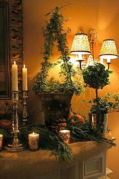 Tuscan design – Mediterranean Home Decor Christmas Mantels, Christmas Decorations, Holiday Decor, Christmas Tree, Winter Christmas, Tuscan Decorating, French Country Decorating, Decorating Ideas, Interior Decorating