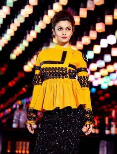 Check Out Bollywood Heroine Alia Bhatt Latest Photos - Alia Bhatt New Stills. Indian Fashion Dresses, Indian Designer Outfits, Pakistani Dresses, Fashion Outfits, Fashion 2018, Hijab Fashion, Garba Dress, Navratri Dress, Bollywood Celebrities