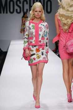 Moschino Spring 2015 Ready-to-Wear - Collection - Gallery - Look 1 - Style.com  http://gtl.clothing/a_search.php#/post/Moschino/true @gtl_clothing #getthelook