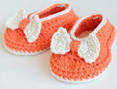 Free on Ravelry - Gratis en Ravelry / Orange Pumpkin – Croche Baby Booties/Flats, de Croby Patterns. http://www.ravelry.com/patterns/library/orange-pumpkin---croche-baby-booties-flats