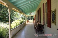 Stockphotosbank: Very nice American porch, classic style