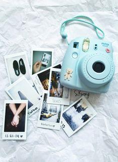 Camera Polaroid - Ideas That Produce Nice Photos Despite Your Skills! Polaroid Camera Pictures, Poloroid Camera, Polaroid Instax, Polaroids, Sony Camera, Iphone Camera, Camera Gear, Camera Hacks, Fujifilm Instax Mini
