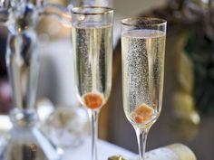 Cocktail mit Champagner ist ein Rezept mit frischen Zutaten aus der Kategorie Getränke. Probieren Sie dieses und weitere Rezepte von EAT SMARTER!