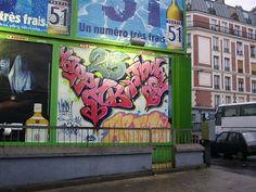 Birthday #graffiti in Paris. #typography