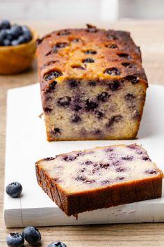 Easy (And Crave-worthy) Lemon Blueberry Bread - Paleo Grubs Pear And Almond Cake, Almond Cakes, Paleo Dessert, Healthy Desserts, Paleo Sweets, Sin Gluten, Gluten Free, Dairy Free, Chocolate Hazelnut Cake