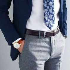 Details make the difference Blue Blazer Outfit Men, Mens Fashion Blazer, Blazer Outfits, Suit Fashion, Man Outfit, Fashion News, Moda Formal, Herren Style, Herren Outfit