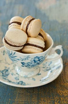 Turmeric n spice: Macarons with Nutella filling