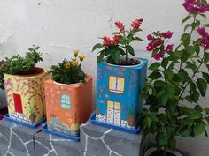 Cool DIY planters from big cans that will do yourself for your gardens, courtyards, and balconies Diy Concrete Planters, Diy Planters, Cool Diy, Wrought Iron Wall Decor, Iron Decor, Diy Planter Box, Dry Well, Cement Crafts, Succulent Terrarium