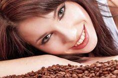 Une astuce méconnue au café pour un visage éclatant ! noté 5 - 1 vote Absorber du café de bon matin pour se mettre en route est une astuce classique. Si la caféine vous permet de repartir au quart de tour, apprenez qu'elle vous donnera également l'occasion d'atténuer vos cernes et vos yeux gonflés si …
