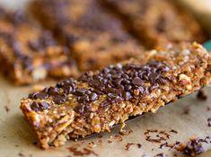 Chewy Hemp-Nut Granola Bars (with Chocolate) Vegan Granola Bars, Granola Bars Peanut Butter, Chocolate Chip Granola Bars, No Bake Granola Bars, Mini Chocolate Chips, Gluten Free Snacks, Vegan Snacks, Vegan Food, Vegan Recipes