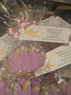 crown cookies Crown Cookies, Tank You, Birthday Cookies, Princess Party, Birthday Parties, Birthdays, Party Ideas, Anniversary Parties, Anniversaries
