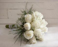 Bouquet sposa rose bianche - Persunit.com