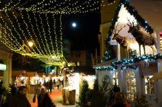 Marco Allegri di Non solo Turisti, in giro per i mercatini natalizi di Rovereto. Foto scattata con QX100.
