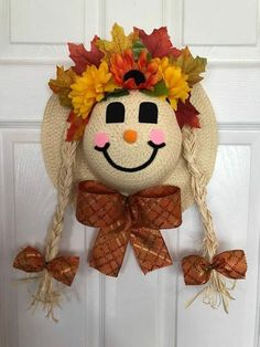 x Fall Straw Hat Scarecrow (pigtails) Head Door Hanger with Flowers, Leaves, & Bow Diy Fall Wreath, Fall Diy, Fall Wreaths, Hat Crafts, Wreath Crafts, Paper Crafts, Adornos Halloween, Halloween Crafts, Vintage Halloween