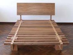 Resultado de imagen para cama de madeira de encaixe