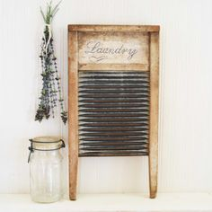 vintage washboard to decorate laundry room.