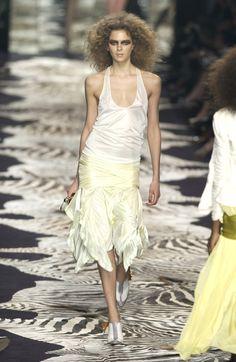 Yves Saint Laurent at Paris Fashion Week Spring 2004 - Runway Photos