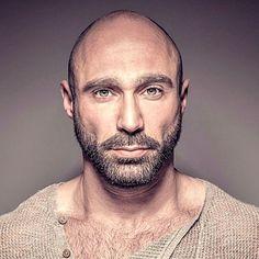 Bearded Men: 17 Best Beard Styles For Bald Men Guide). Bald Men With Beards, Bald With Beard, Great Beards, Hairy Men, Bearded Men, Men Beard, Mens Hairstyles With Beard, Haircuts For Men, Men's Hairstyles