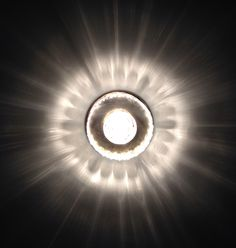 Small ceiling lamp with great lighteffect