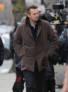 Liam Neeson Photos: Liam Neeson Films 'A Walk Among the Tombstones'. He ages with grace. Still incredibly handsome.
