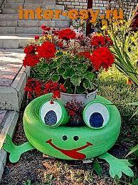Ideias para fazer Vasos com Pneus Tire Garden, Garden Yard Ideas, Diy Garden Projects, Garden Crafts, Outdoor Projects, Tire Frog, Tire Craft, Painted Tires, Tire Planters