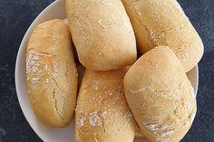 Brötchen wie vom Bäcker von claudi77   Chefkoch German Bread, German Baking, Easy Baking Recipes, Pampered Chef, Kfc, Baked Chicken, Hot Dog Buns, Tea Time, Food And Drink