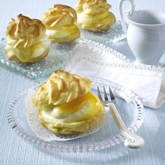 Windbeutel mit Zitronensahne Rezept   LECKER Eclairs, Dream Cake, Apple Pie, Panna Cotta, Muffins, Pudding, Sweets, Snacks, Ethnic Recipes