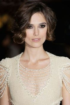 Keira Knightley Gets Refreshingly Real About Losing Her Hair Estilo Keira Knightley, Keira Knightley Style, Keira Christina Knightley, Bob Hairstyles, Wedding Hairstyles, Actrices Sexy, Super Hair, Look Vintage, Blake Lively