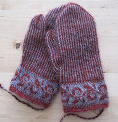 Lappone: Twined Knitting projects 2009-2010 (tvåändsstickning). #mittenS:-)