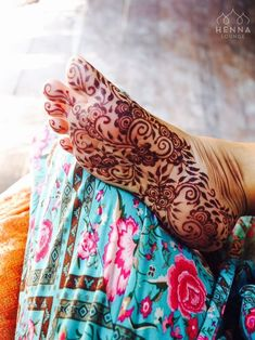 Best Indian Mehndi Designs - Mehndi or Henna is a form of body art based on dyes prepared from the plant called Lawsonia inermis. Legs Mehndi Design, Indian Mehndi Designs, Stylish Mehndi Designs, Wedding Mehndi Designs, Mehndi Design Images, Beautiful Henna Designs, Mehndi Designs For Hands, Leg Henna, Foot Henna