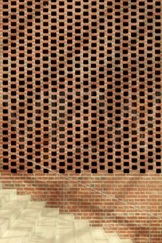 JKMM-VERK-0020_Verkatehdas_Arts__Congress_Centre__JKMM_Architects__Hmeenlinna_Finland__2007__Detail_of_spaced_brick.jpg (320×480)