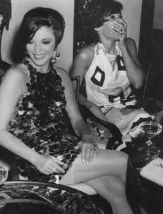 Dame Shirley Bassey and Joan Collins (!!!!!!!) in 1966.