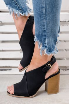 4d230e23373 Chic Perfection In These Flawless Booties! FAST AND FREE US SHIPPING  41  Bottillons Noirs