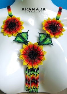 Mexicana Huichol con cuentas naranja flor collar CFG-0067 Beaded Earrings, Crochet Earrings, Beaded Bracelets, Handmade Beaded Jewelry, Beading Tutorials, Flower Necklace, Nativity, Jewelry Collection, Mandala