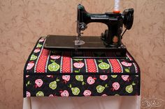 sewing machine mat with pockets!