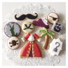 (^o^) C is for Cookie (^o^) ~ Captain Hook / Peter Pan Cookie Plate - by @cbonbon_sugarcookies (Cbonbon)