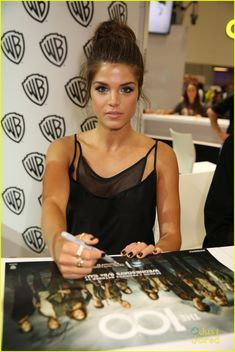 Marie Avgeropoulos at the Comic Con 2014 #The100