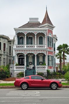 East End Historic District  Want this house... oh and the car x  House in the East End Historic District in Galveston, Texas