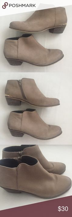 Steve Madden remingtn Boot Steve Madden booties. Style perfect for summer or fall Steve Madden Shoes Ankle Boots & Booties