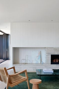 Bernie's Beach House By Interior Design Studio Sally Caroline Is The Architectural Embodiment Of A Relaxed Elegant Home Decor, Elegant Homes, Small Apartment Decorating, Interior Decorating, Interior Designing, Milan Furniture, Furniture Design, Favim, Fireplace Design