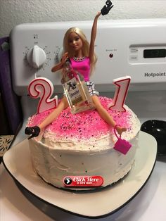 diy birthday cake for women Excellent Cost-Free Birthday Decorations Strategies You dont need to retain an inside artist to create a large statement at the upcoming party. 21st Birthday Cake For Girls, Barbie Birthday Cake, 21st Bday Ideas, Funny Birthday Cakes, Birthday Cake Toppers, 21st Birthday Gifts, Birthday Cakes Women, 19 Birthday, Barbie Cake